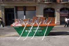 Espanhol faz intervenções com lixo encontrado nas ruas - Casa