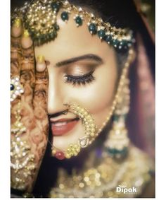From heavy eye makeup to subtle lips, we have seen brides pull off some stunning looks in the most unexpected ways. Check out these top 10 bridal makeup looks that we spotted on real brides this wedding season! Indian Wedding Photography Poses, Bride Photography, Wedding Poses, Wedding Shoot, Wedding Bride, Indian Bride Poses, Makeup Photography, Wedding Album, Photography Ideas