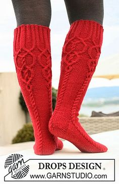 DROPS Knit Cable Socks free pattern
