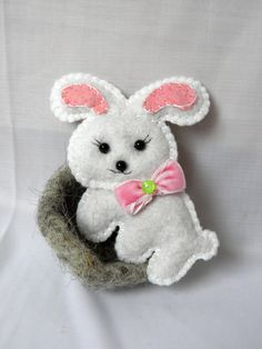 felt toy magnets / Easter Bunny / easter  / white / by Marywool, $11.00