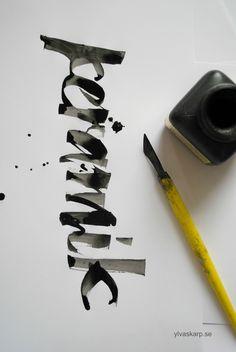 Técnicas de Caligrafía / Calligraphy Techniqu keramik written by Ylva Skarp Vintage Typography, Graphic Design Typography, Lettering Design, Types Of Lettering, Brush Lettering, Calligraphy Letters, Typography Letters, Beautiful Handwriting, Branding