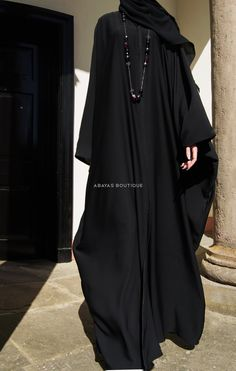 When modesty and comfort is a priority opt for our Aswad (black) butterfly style open bisht. Niqab Fashion, Modern Hijab Fashion, Muslim Fashion, Modest Fashion, Mode Abaya, Moroccan Dress, Abaya Designs, Tabu, Islamic Clothing