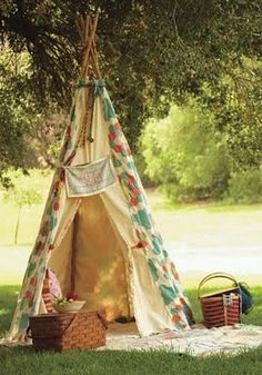 If he surprised me with this little teepee picnic setup I can't even say what I would do!