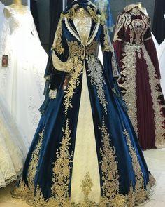 Stunning Dresses, Beautiful Gowns, Pretty Outfits, Pretty Dresses, Evening Dresses, Prom Dresses, Fantasy Gowns, Muslim Dress, Medieval Dress