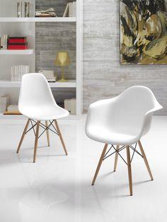 Silla Moderna Eames http://www.ambar-muebles.com/silla-moderna-eames.html