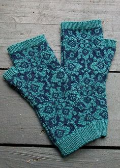 Tapestry Mitts (variation on Eunny Jang's Endpaper Mitts)