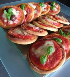 Assorted Mini Pizza Finger Food Delivery Services and Buffet Food delivered to your door