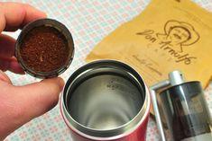Kávička na cestu do termosky? S Espro Travel Press je to hneď Coffee Maker, Kitchen Appliances, Tableware, Travel, Coffee Maker Machine, Diy Kitchen Appliances, Coffee Percolator, Home Appliances, Dinnerware