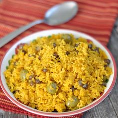 Arroz Con Gandules- for my non-puerto rican friends who like my rice. here is a pretty good recipe to learn how to make it! =]