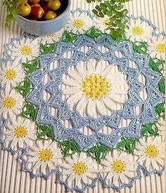 Daisy Doily - The Murmuring Cottage My mom and Grandma made these types of project all the time! Miss them