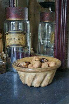 Oude kleine steengoed. Franse tulbandvorm/bakvorm | Servies / Tableware | Bikkel Brocante & Curiosa