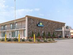 Days Inn Martin Martin (Tennessee) Days Inn Martin offers pet-friendly accommodation in Martin.  A TV with cable channels, as well as an iPod docking station are provided. Each room has a private bathroom. Days Inn Martin features free WiFi .