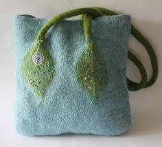 Weiteres - Gefilzte Tasche ++ blau ++ - ein Designerstück von meinfroschkoenig bei DaWanda