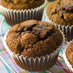 Chocolate Cherry Muffins -- chocolate's favorite fruit--aside from bananas, strawberries and raspberries--must be the cherry. Chocolate Low Carb, Chocolate Cherry, Chocolate Chocolate, Breakfast Bake, Breakfast Recipes, Dessert Recipes, Morning Breakfast, Cherry Muffins, Bolos Low Carb