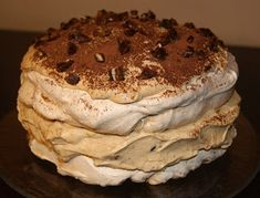 W kuchni Zouuzy: Tort bezowy z masą krówkowo-mascaropne - mój tort ... My Favorite Food, Favorite Recipes, Cake Recipes, Dessert Recipes, Polish Recipes, Food And Drink, Cooking Recipes, Yummy Food, Sweets
