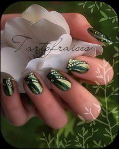 green ... Nail Art Design