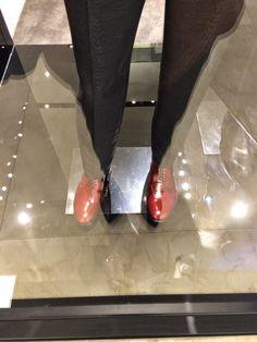 Raquel Superlinda: Sê Chique - Sapatos Vermelhos - Man