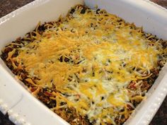 "If you're looking for a super simple meal that the whole family will love, try this ""Quinoa Black Bean Casserole""! With two tasty protein-packed, fiber-rich ingredients - quinoa and beans – this dish is sure to keep everyone satisfied. Low Fat Cooking, Healthy Cooking, Healthy Eating, Cooking Recipes, Healthy Recipes, Bean Casserole, Casserole Dishes, Vegetarian Meals, Vegan Dinners"