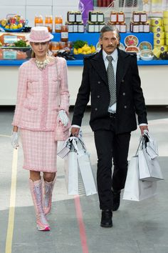Super market couple