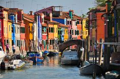 Burano and its colors! Concierge recommended, www.nazioni.it