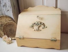 Antique Cream Wood Bread Box Ornate by WillowsEndCottage on Etsy