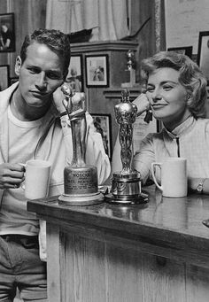 "Paul Newman and Joanne Woodward at home in Beverly Hills by Sid Avery, won Oscars: Newman in 1962 for ""The Hustler"" and in 1986 for ""The Color of Money"", and Woodward in 1958 for ""The Three Faces of Eve"" Hollywood Couples, Hollywood Actor, Vintage Hollywood, Hollywood Stars, Classic Hollywood, Hollywood Glamour, Lauren Bacall, Cary Grant, James Dean"