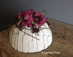 La sculpture florale - roses and berries ~ Artist: Chantal Post