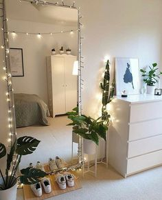 Cute Bedroom Decor, Teen Room Decor, Room Ideas Bedroom, Small Room Bedroom, Study Room Decor, Bedroom Inspo, Room Ideias, Aesthetic Room Decor, Home Room Design