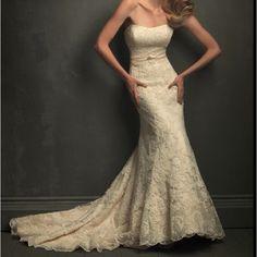 Lace wedding dress ^.^ soooooo pretttttyyy!