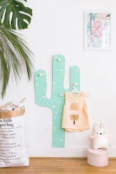 Cactus cabideiro, quarir infantil.
