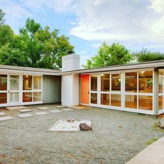Another Cliff May remodel hits the market! 2580 S. Lowell Blvd. brings the California flare of its sister homes in Long Beach, to Colorado. Make this rare #MCM house yours - learn more here at http://www.comidmodhomes.com/2580-s-lowell-blvd