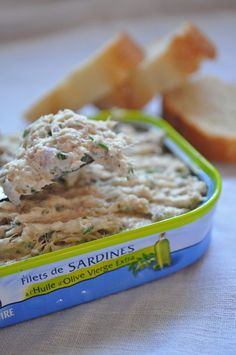 Cheese, Lemon, Parsley, Chives Sardines spread like tuna. Seafood Recipes, Cooking Recipes, Healthy Recipes, Pesto, Supermarket, Appetisers, Food Inspiration, Mousse, Food Porn
