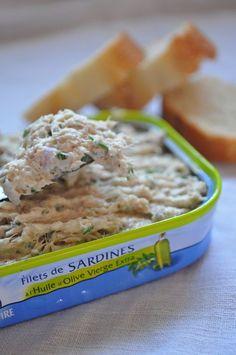 J'ai l'habitude de faire des rillettes de sardines avec du fromage frais et des herbes du jardin (au St Moret c'est ici, à la ricotta c'est là) Mais aujourd