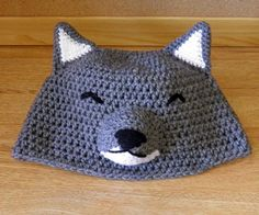 Crochet Wolf Hat Crochet Wolf, Crochet Animal Hats, Knit Or Crochet, Crochet For Kids, Crochet Crafts, Crochet Baby, Crochet Projects, Crocheted Hats, Knitting Patterns Free