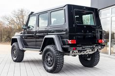 MERCEDES-BENZ G 63 AMG 4X4 LIMITED-EDITION -- Export price: 285.600 €-- Stoсk №: L551 Fuel consumption (in town): 13.8 l/100 km | CO2 emissions: 322 g/km | Energy efficiency class: G| Fuel type: Benzin #mersedes_benz #amg #gt-r #autoseredin #Luxurycars #Premiumcars #dubaicars #carforsale #saudicars #autoseredingermany