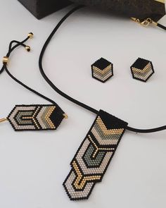 Diy necklace 641903753124272804 - 159 mentions J'aime, 22 commentaires – Miyukili İşler ( sur I… Source by luanapicturefeast Diy Jewelry Necklace, Jewelry Making Beads, Bead Earrings, Jewelery, Beaded Choker, Beaded Bracelets, Beaded Jewelry Designs, Schmuck Design, Bracelet Patterns