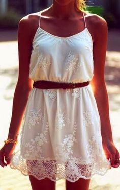 Lovely White Country Lace Dress. Amazing..