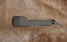 Lame à Parer désépaissir Japonaise  Réalisé dans un acier de bonne qualité épaisseur 4 mm Pré-affuté Finition de l'affutage à réaliser par vos soin selon votre attendue  Longueur environ : 160 mm Largeur tranchant environ : 40 mm