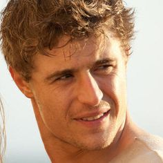 The Host 'Meet Jared Howe' Featurette with Max Irons - Go behind-the-scenes to discuss this character in director Andrew Niccol's adaptation of Stephenie Meyer's novel.