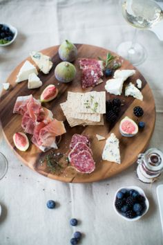Organic Herb Inspired Cheese Table, Food And Drinks, Entertaining Wedding Inspiration - Style Me Pretty. Cheese Table, Cheese Platters, Tapas Recipes, Good Food, Yummy Food, Organic Herbs, Snacks Für Party, Antipasto, Food Inspiration