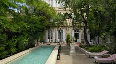 Romantic tripin Provence? Note this beautiful hotel... #hotel #provence #france #provenza