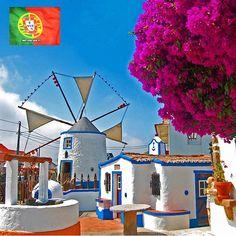 Foto de:@chernikaphoto •Local:Aldeia Típica de José Franco, Sobreiro, Mafra, Portugal - amoteportugal.pt