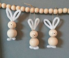 Paashazen - Birgit Cader-Bartsch - Ich Folge - Paashazen – Birgit Cader-Bartsch – - autour du tissu déco enfant paques bébé déco mariage diy et crochet Bead Crafts, Diy And Crafts, Crafts For Kids, Bunny Crafts, Easter Crafts, Rabbit Crafts, Diy Gifts For Kids, Diy For Kids, Spring Crafts