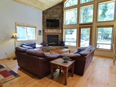 Cedar Creek Chalet   Wallowa Lake Lodging   Custom Built home