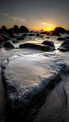 Its a Rock - California
