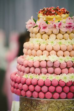 Cake pop wedding cake! Photo by Daniel K Cheung Photography