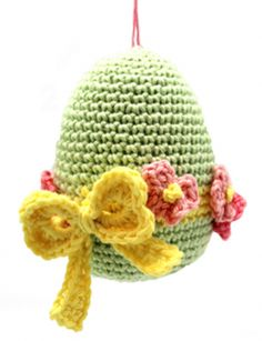 Easter is almost here! It's time to fill up our baskets with some colorful woolly crochet eggs! Crochet them around a plastic egg and fill… Holiday Crochet, Crochet Home, Diy Crochet, Crochet Dolls, Knitting Projects, Crochet Projects, Easter Crochet Patterns, Embroidery Alphabet, Crafts To Make And Sell