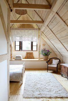 Romantic Wooden Cottage - bedroom - photos : adorable-home Attic Apartment, Attic Rooms, Attic Spaces, Attic Bathroom, Attic Playroom, A Frame Cabin, A Frame House, Attic Renovation, Attic Remodel