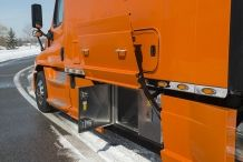 Bolt-Custom-Trucks-150-inch Platinum-Series-Sleeper-Orange-Truck-Toobox