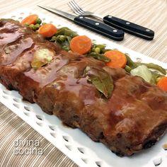 Este costillar asado con salsa barbacoa resulta muy tierno y jugoso, con una salsa sabrosa y potente. Si usas cerdo ibérico, aumenta los tiempos de cocción.